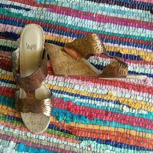 Bronze wedge cork bottom Sandal sz 9.5